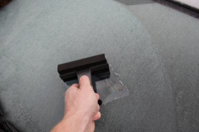 Schützen Sie Ihre Autoscheiben vor Frost.
