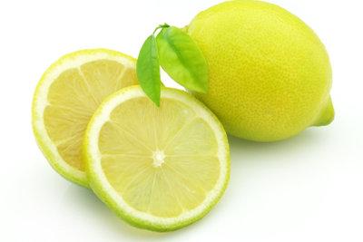 Sie brauchen Zitronensaft.