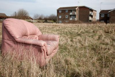 Der neue Sofabezug sollte strapazierfähig sein.