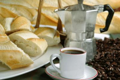 Ein guter Espresso zum Frühstück weckt die Lebensgeister.