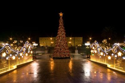 Das ist Athen zu Weihnachten.
