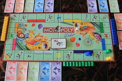 Monopoly Junior macht Kindern Spaß.