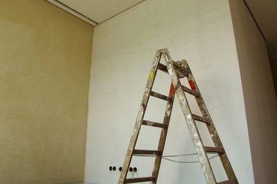 Zimmer zu streichen, bringt neues Leben.