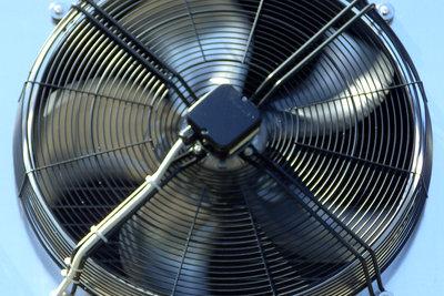 Ventilatoren gibt es auch mit Wasser.