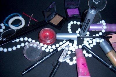 Make-up ist wichtig für Frauen.