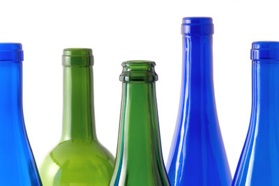 Das ist eine Auswahl an Flaschen.