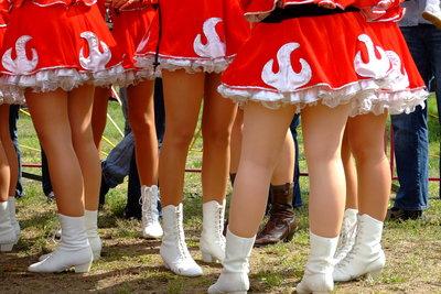 Funkenmariechen gehören in jeden Karnevalsverein
