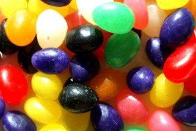Diverse Kaviarkugeln aus der Molekularküche.