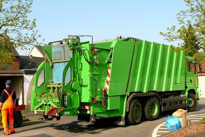 Müllmänner sind viel unterwegs.