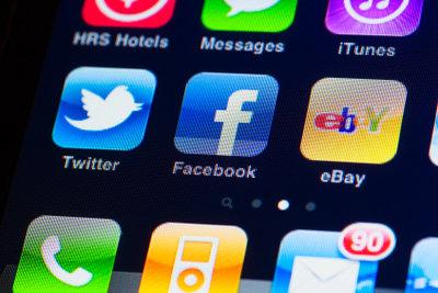 Facebook ist auch auf dem Handy verfügbar!