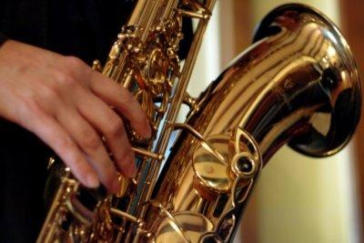 Dem Saxophon Töne entlocken