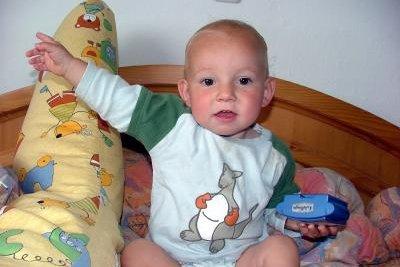 Druckknöpfe sind bei Babykleidung sehr praktisch.