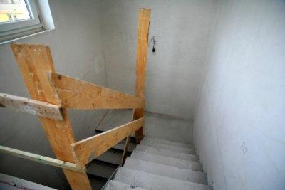 Treppen im Rohbau mit Geländer absichern