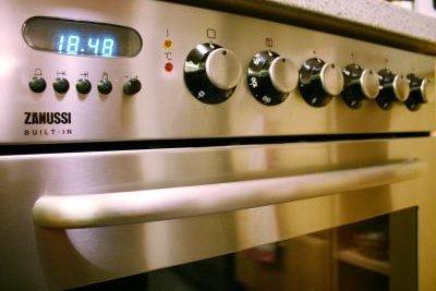 Oberhitze oder Unterhitze nach Bedarf auswählen.