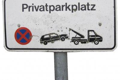 Parken vor Einfahrten kann teuer werden.