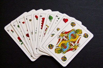 Tarock ist in vielen Varianten spielbar.