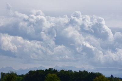 Solche Wolken bringen Regen.