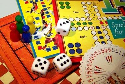 Brettspiele besitzen einen hohen Spaßfaktor.