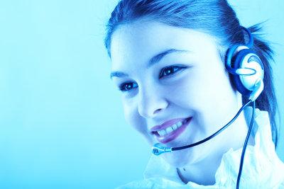Skype bietet kostenlose Gruppenchats und Videotelefonate.