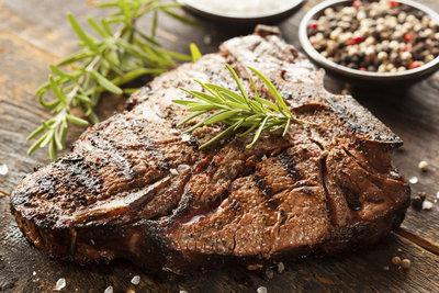 Das T-Bone-Steak ist ein wahrer Gaumenschmaus.