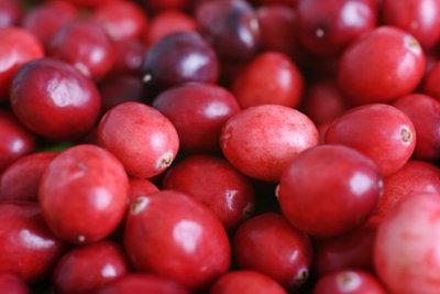 Saft der Cranberry hilft bei Blasenentzündung.