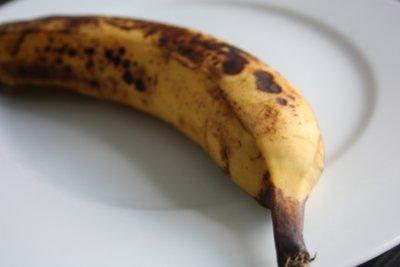 Vollreife Bananen dürfen püriert gegessen werden.