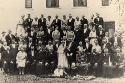 Früher war ein Hochzeitslader üblich.