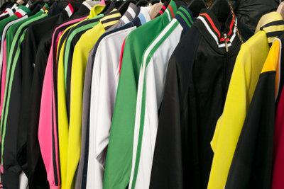 Polyester bedarf einer bestimmten Farbe