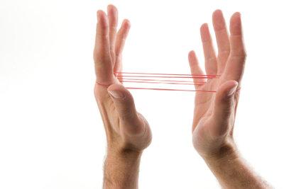 Spielen Sie Gummihopse nicht nur mit den Fingern.
