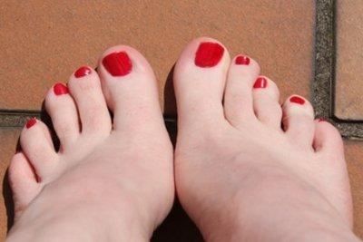Eine Pediküre kann Füße ansehnlicher machen.