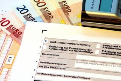 Fehlerhafte Steuerbescheide über Einspruch korrigieren.
