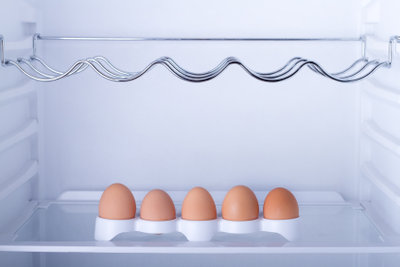 Eier gehören in den Kühlschrank.