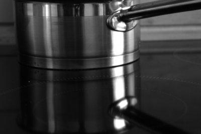 Ein Glaskeramik-Kochfeld benötigt sanfte Reinigungsmittel.
