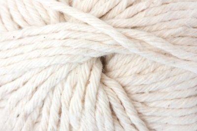 Wolle ist wichtig für das Pusteblumenkostüm.