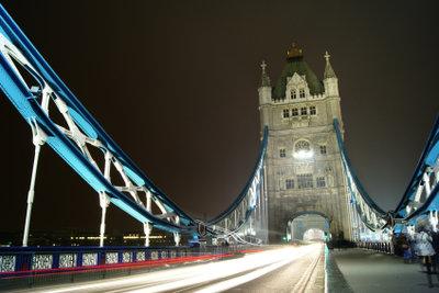 Fahren Sie zuerst nach London!