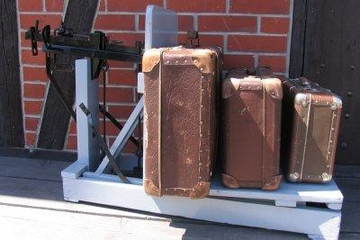 Auch diese Koffer sind angeordnet.