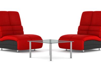 Alcantara-Sessel sind geschmeidig und angenehm.