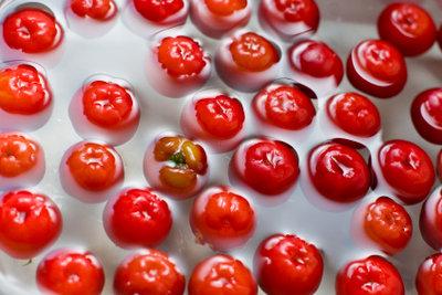 Acerola hilft gegen Erkältungsbläschen.