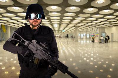 Leiten Sie Ihre eigene SWAT-Einheit.