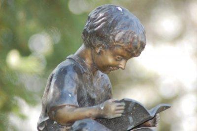 Bronzestatuen sind wert- und wetterbeständig.