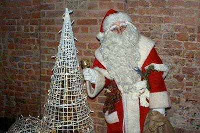 Der Nikolaus kommt zur Firmenfeier