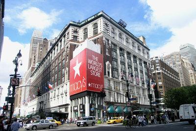 Macy's ist ein beliebtes Einkaufsziel.