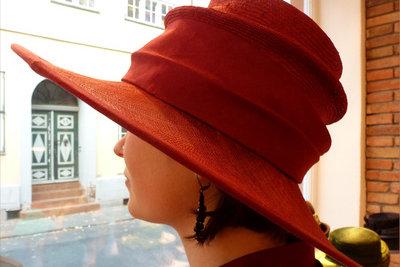 Hüte trägt Serena van der Woodsen auch.