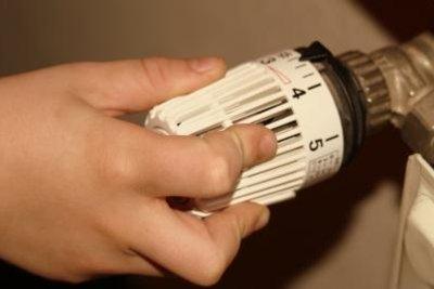 Raumtemperatur mit Heizkörperventil regulieren