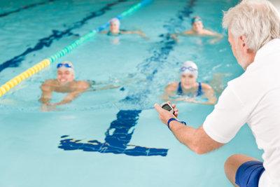 Mit Schwimmen nimmt man leicht ab.