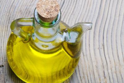 Olivenöl fördert das Nagelwachstum.