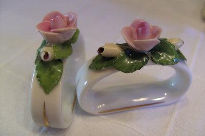 Omas Porzellannippes ist ein schönes Geschenk.