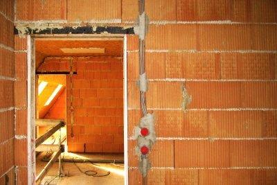 Fußbodenheizungen sind beim Neubau kostengünstig realisierbar.