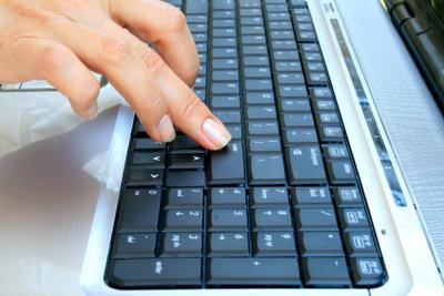 Die Tastaturbelegung sollte stimmen.