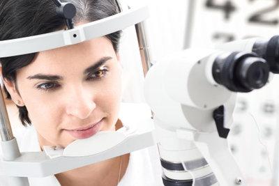 Eine Augenentzündung gehört zum Augenarzt.